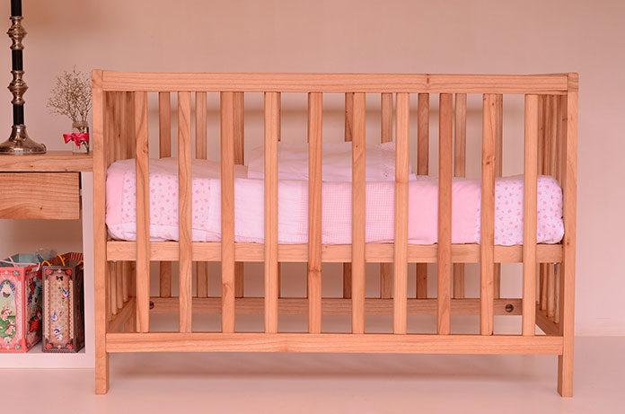 Kompletujemy wyprawkę – jakie łóżeczko kupić dla niemowlęcia?