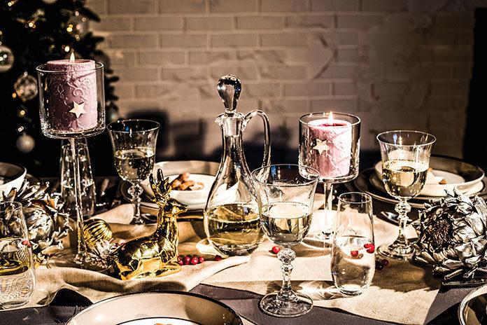 Aranżacja stołu wigilijnego – kilka wskazówek, dzięki którym stworzysz wyjątkowy efekt
