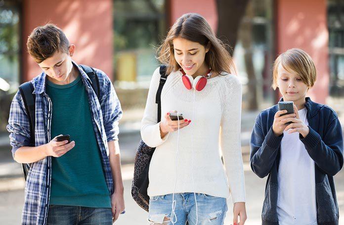 Ciekawe propozycje telefonów dla młodzieży